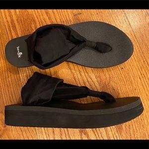 EUC Sanuk Sling Wedge Sandal, Black